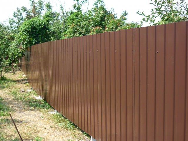 Забор из профнастила щелково цена ворота и калитки под профнастил фото